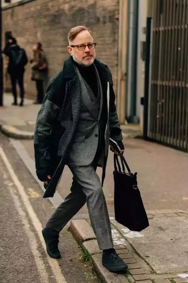 只有真正会穿的人才能把商务装穿出时髦优雅感!