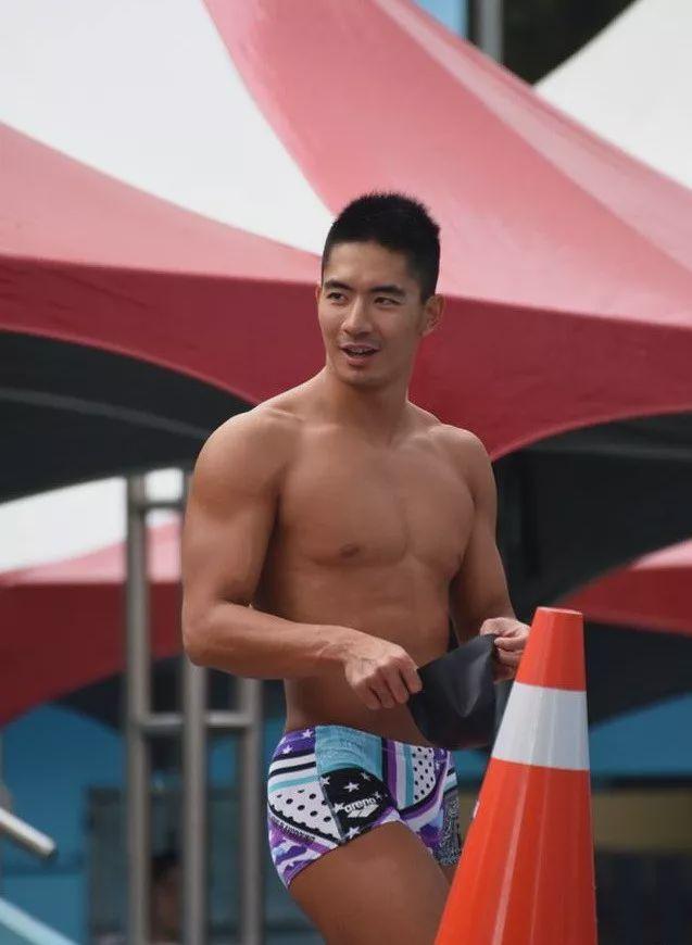 泳池偶遇的175cm的肌肉男,竟然是一名正宗的体育生