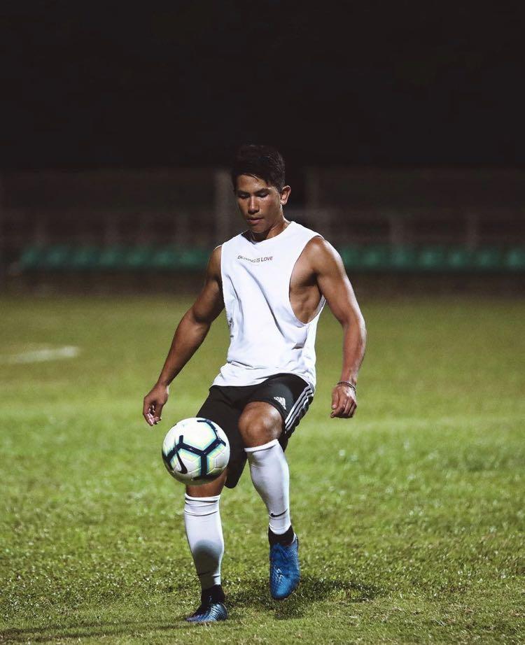28岁文莱王子六块腹肌运动全能长相如好莱坞明星